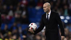 Chelsea želi dovesti Zinedinea Zidanea kao zamjenu za Maurizija Sarrija