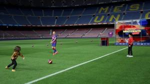 Tokom predstavljanja novog napadača Barce Camp Nou je bio potpuno prazan