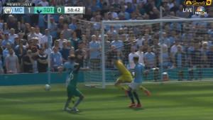 Klopp će pobijesniti kada ovo vidi: Tottenhamu nije dosuđen očigledan penal