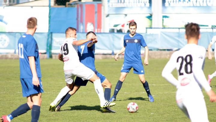 Juniori FK Željezničar i FK Sloboda podijelili bodove