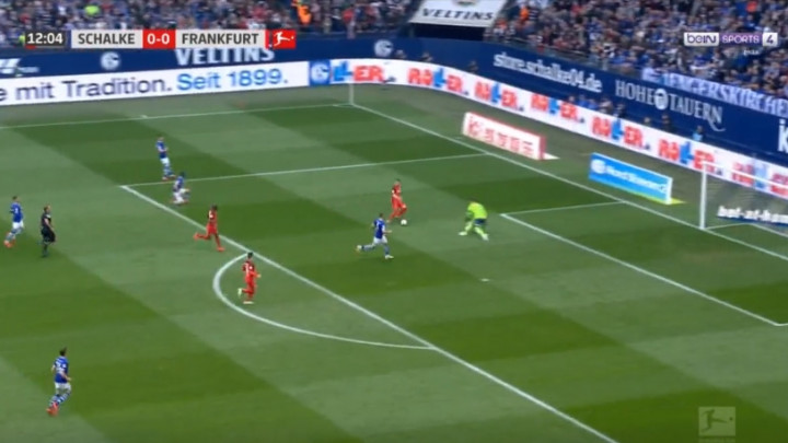 Rebić u stilu Messija sjajnim potezom izbacio golmana i postigao gol