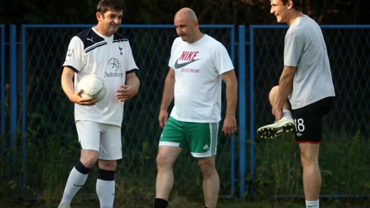 """Legendarni fudbaler Veleža na klupi Jaruna: Odmarao je dugo ali nije """"ispao iz fola"""""""