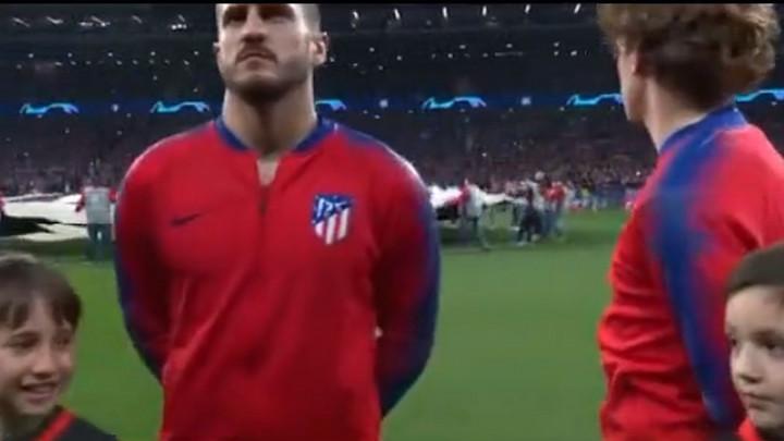Obratite pažnju šta radi Griezmann tokom himne Lige prvaka: Ovo još nismo vidjeli...