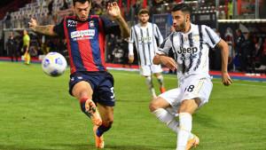 Allegri trojicu igrača Juventusa otpisao jer su kasno došli na trening