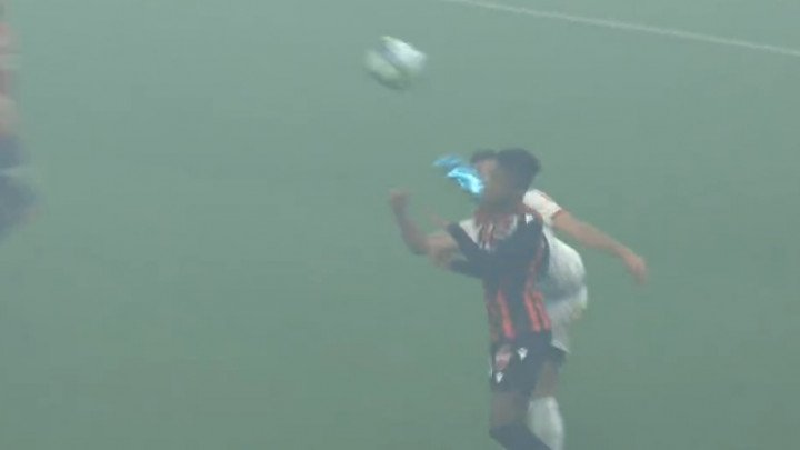 High kick u glavu protivnika za crveni karton