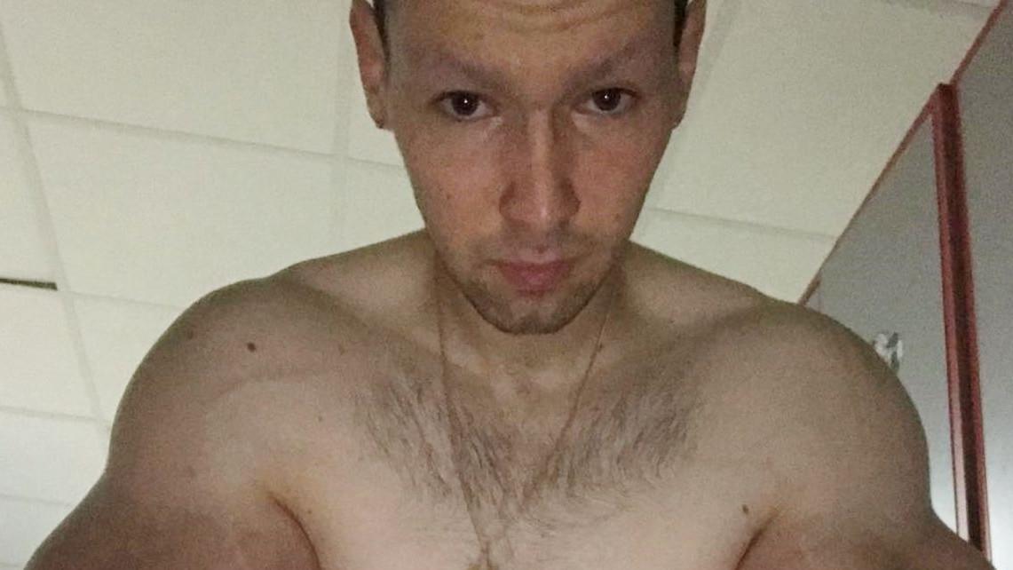 """Šta mu uradiše injekcije: """"Bodybilder"""" iz Rusije tvrdi da ima najveće bicepse na svijetu"""