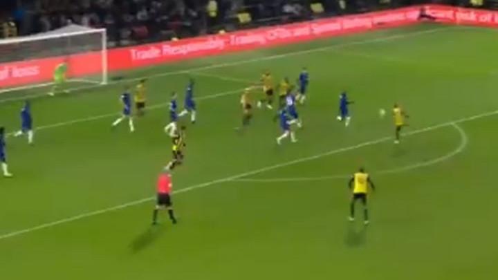 U Engleskoj su odlučili da dijele lekcije golova iz voleja: Spektakularan pogodak Pereyre
