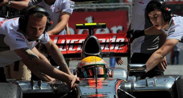 Hamilton diskvalifikovan, Maldonado starta prvi