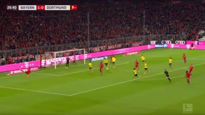 Lewandowski je postigao dva gola, ali je jedan drugi potez potpuno oduševio navijače Bayerna