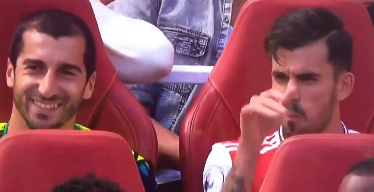 Komična scena na klupi Arsenala: Šta je Ceballos objašnjavao Mkhitaryanu?