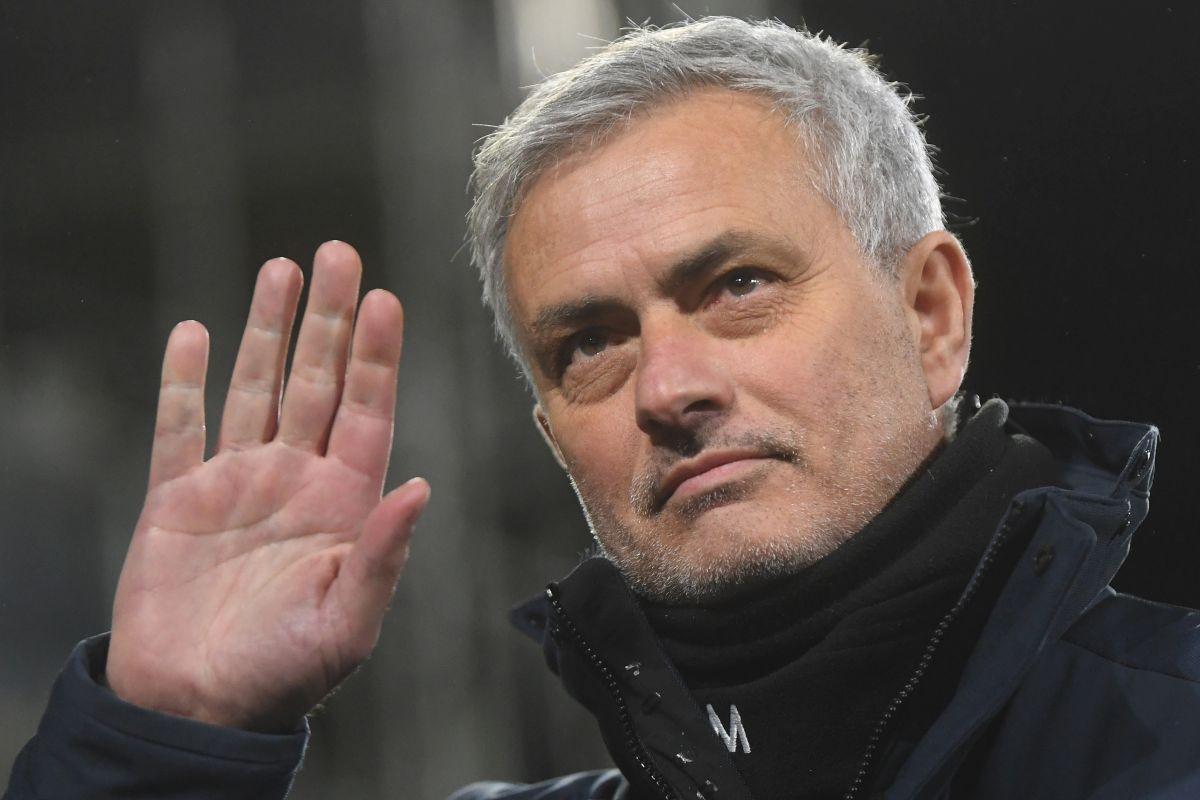 Vijest da je Mourinho dobio otkaz zbog odbijanja treninga radi Superlige je laž!