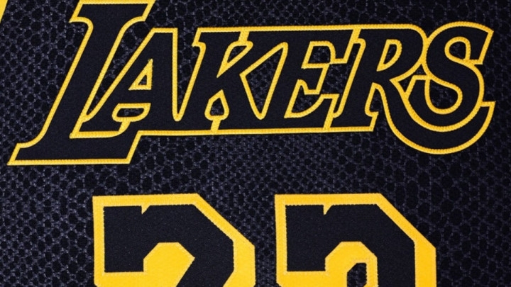 Crni kao Bryantova sudbina: Lakersi večeras protiv Nurkića i društva u posebnim dresovima