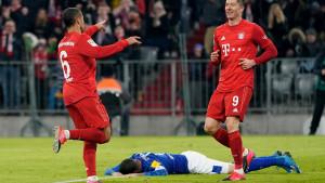 Bayern ispratio Schalke petardom, Lewandowski ponovo iznad Wernera