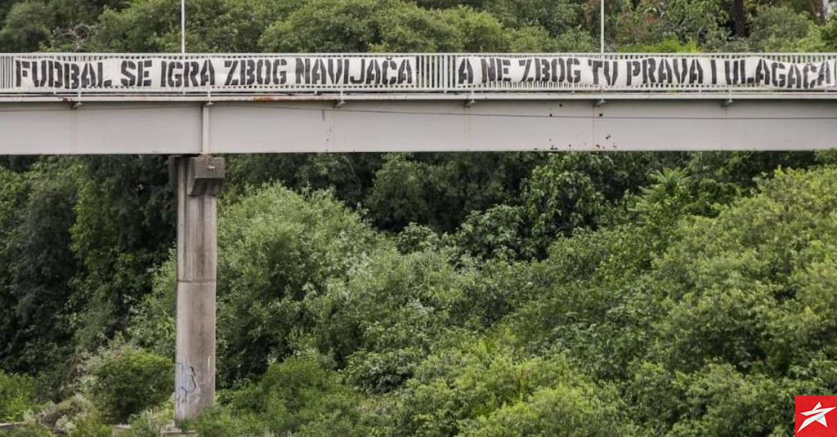 Na mostu u Mostaru se pojavio interesantan transparent posvećen klubovima i NSBiH