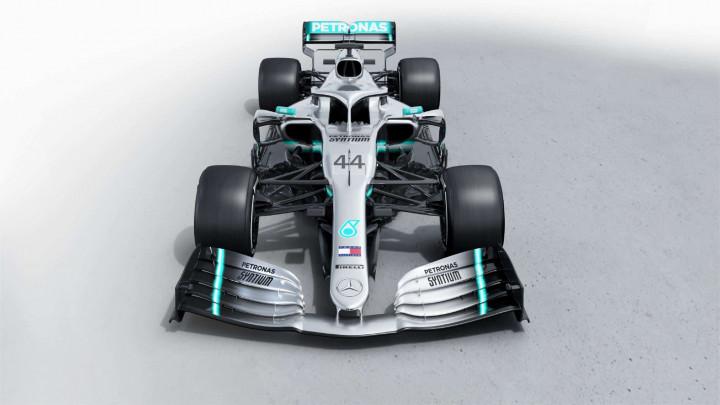Mercedes predstavio novi bolid s kojim kreće po novi naslov prvaka