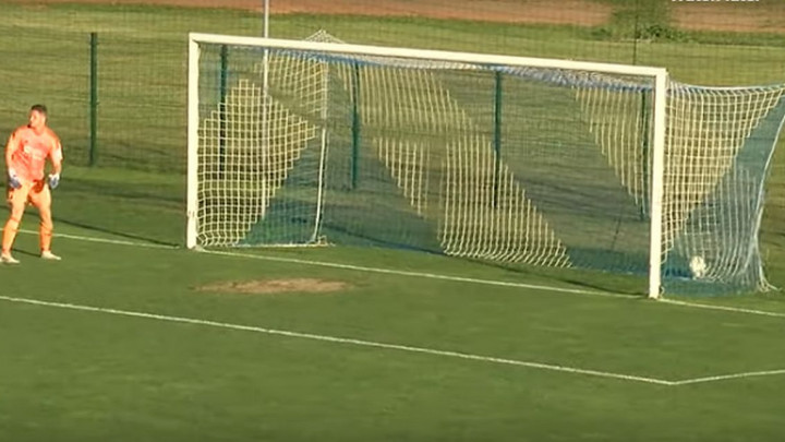 Golman bh. reprezentacije primio jedan od najbizarnijih golova ikad