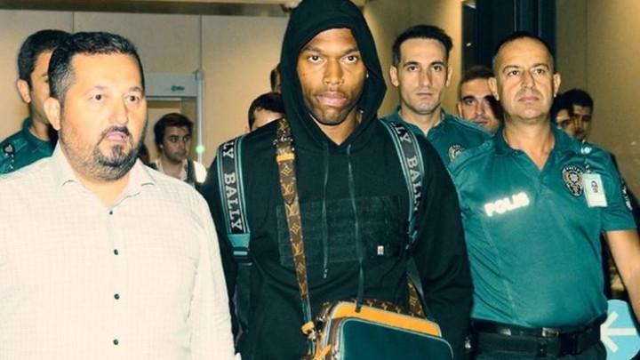 Bivši igrač Liverpoola stigao u Tursku na potpis ugovora