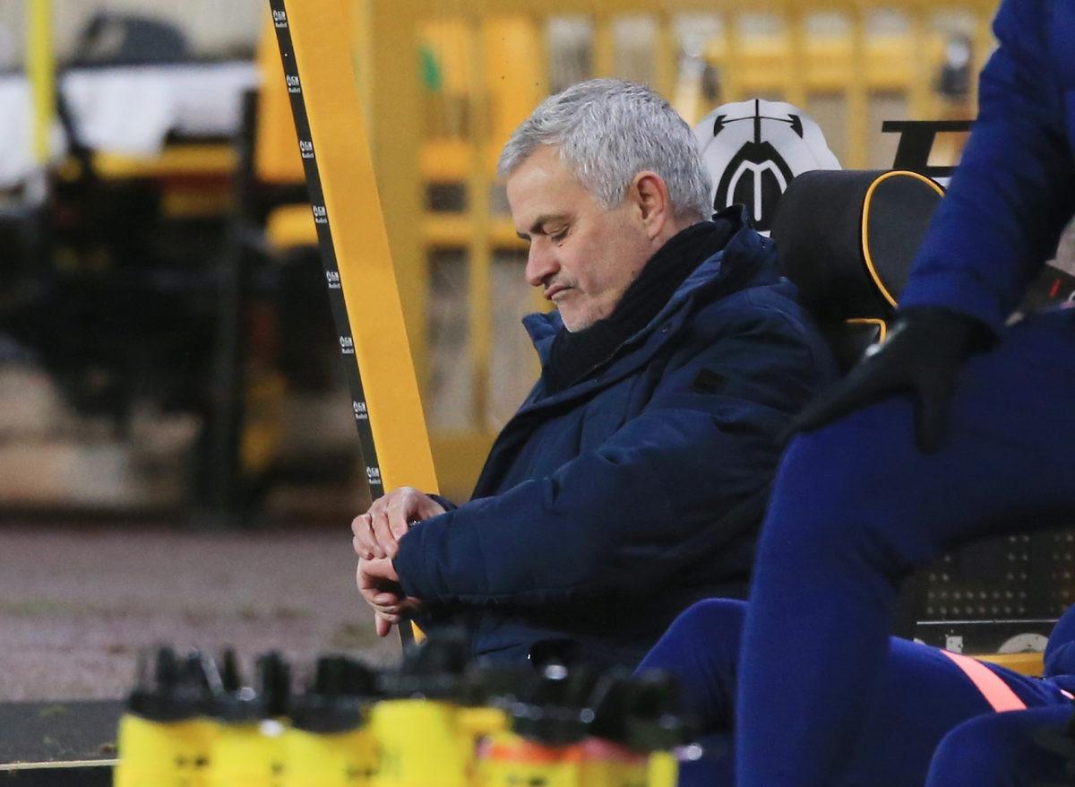 Jose Mourinho ne gleda slučajno tako često u sat