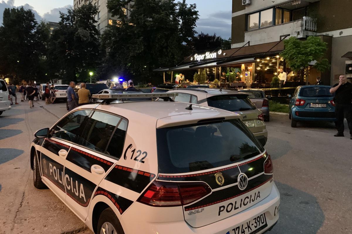 Pucnjava u restoranu Elvira Bolića, nastradalom se bore za život