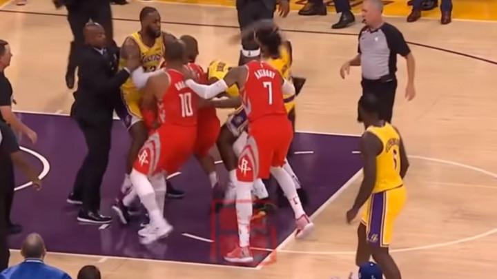 Rondo i Paul se potukli, sve izazvao Ingram nakon što je gurnuo Hardena