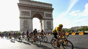 Tour de France: Thomasu žuta majica, pad Valverdea