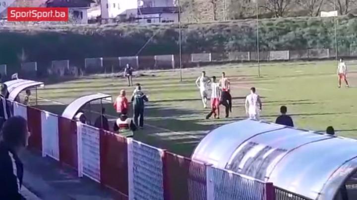 Kraći prekid utakmice NK Zvijezda - FK Velež