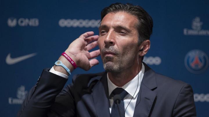Buffon konačno otkrio zašto je rezao rukave na dresovima
