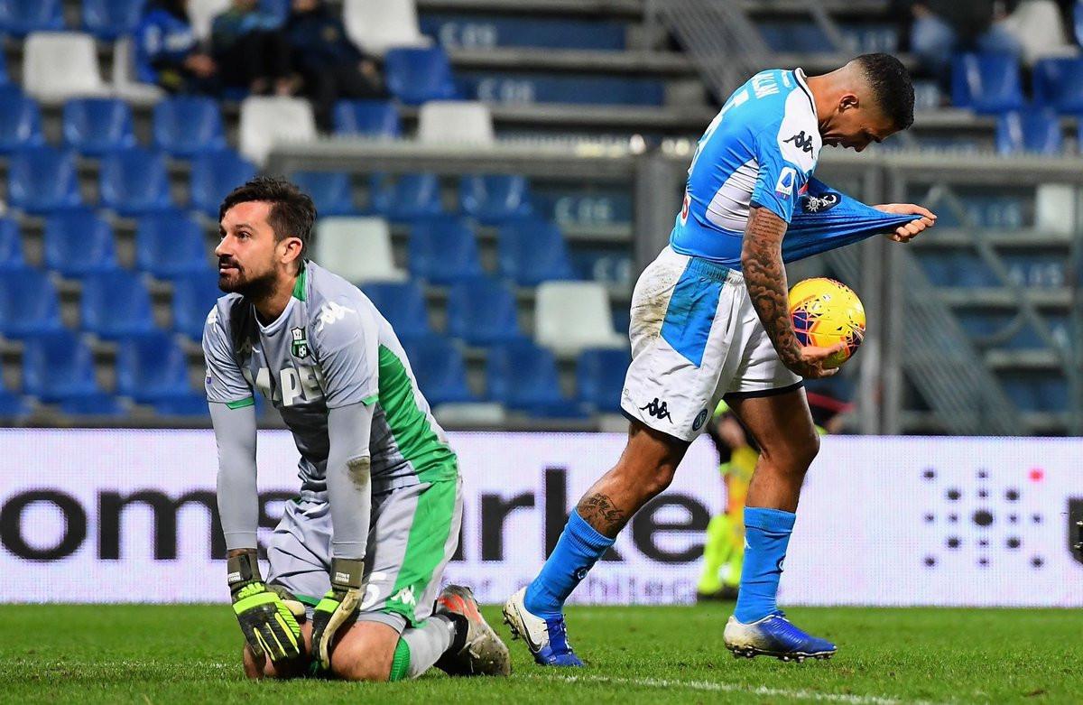 Napoli autogolom u 96. minuti stigao do pobjede protiv Sassuola i prekinuo crni niz