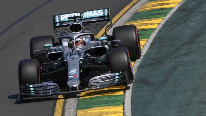 Nova sezona, ali stare navike: Lewis Hamilton najbrži u kvalifikacijama u Melburnu