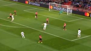 Ovakvi projektili Ronalda obično se pretvore u golove, ali kada je De Gea na golu...
