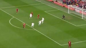 Anfield opet slavi Gerrarda: Sjajnim potezom izbacio dvojicu igrača i donio pobjedu Redsima
