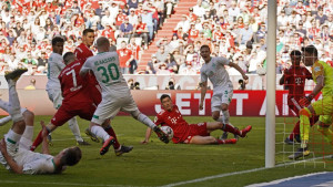 Bayern teškom mukom slavio protiv Werdera, Augsburg demolirao Stuttgart