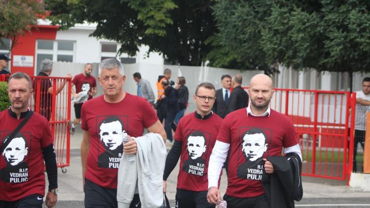 Članovima stručnog štaba FK Sarajevo opomena zbog majica s likom Vedrana Puljića