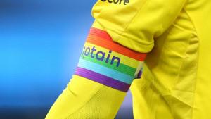 Crveni karton za igrače koji budu promovisali LGBT populaciju