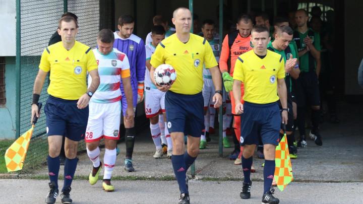 Azem Karić na centru u Gračanici, Kenan Bajraktarević sudi utakmicu između TOŠK-a i GOŠK-a