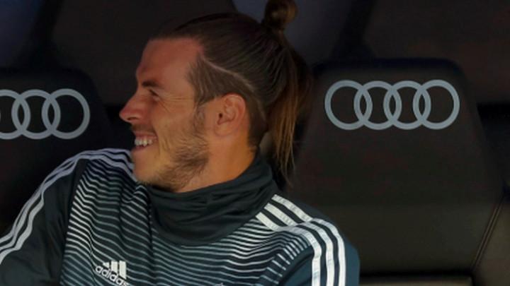 Real gubi, Bale umire od smijeha na klupi