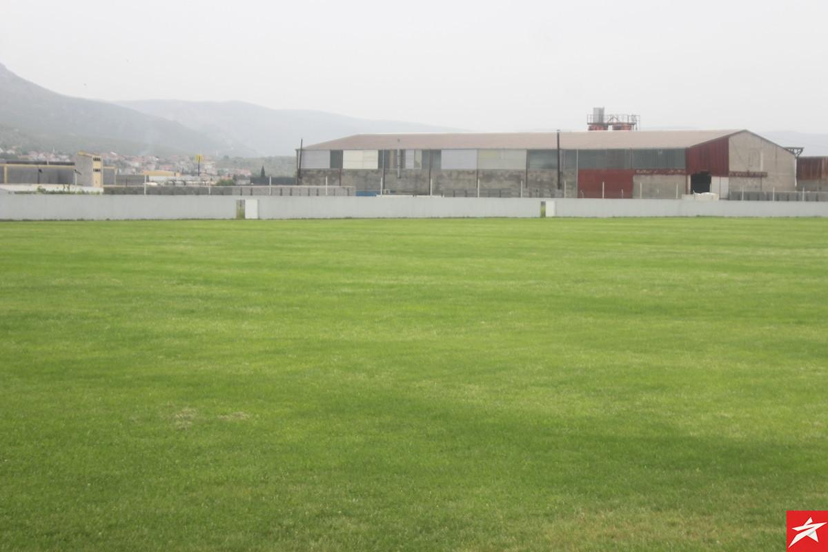 Iz dana u dan stadion HNK Branitelj poprima novi izgled