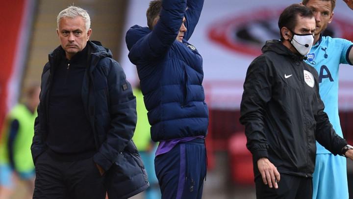 Mourinho: Čovjek na terenu nije sudija, sudija je sakriven negdje