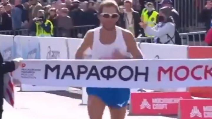 Ruski maratonac slavio u trci, ali izgubio obraz zauvijek zbog onoga što je napravio u finišu iste