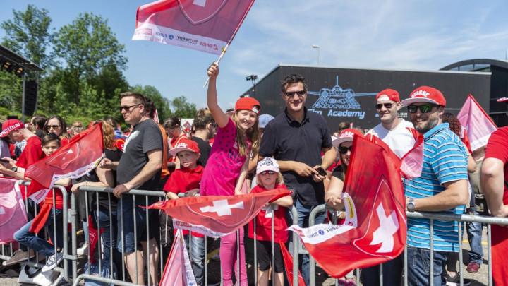 Švicarskim navijačima se smije svijet: Jasno je zašto nisu pronašli hotel, a ni stadion...