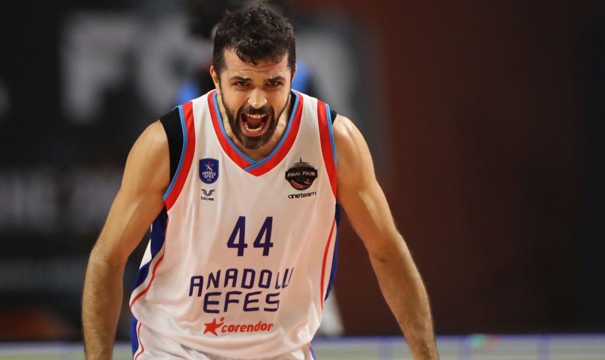 Anadolu Efes po prvi put u historiji osvojio titulu prvaka Evrope!