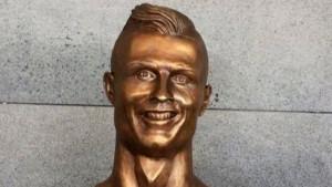 """Ronaldova """"prava"""" bista konačno stigla na aerodrom u Madeiri"""