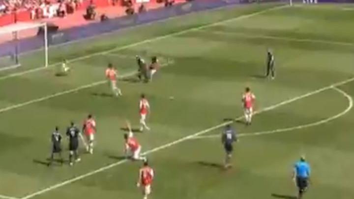 Hladan tuš na Emiratesu: Barnes izjednačio na 1:1