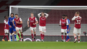 Nestvaran kiks Lena i poraz Arsenala od Evertona
