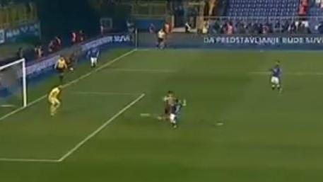 Amaterska reakcija odbrane Plavih, Velkoski zabio za 0:2