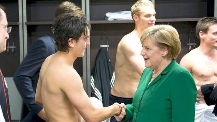 Zbog Ozila se oglasila i Angela Merkel