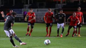 Manchester United u završnici do ubjedljive pobjede protiv Lutona