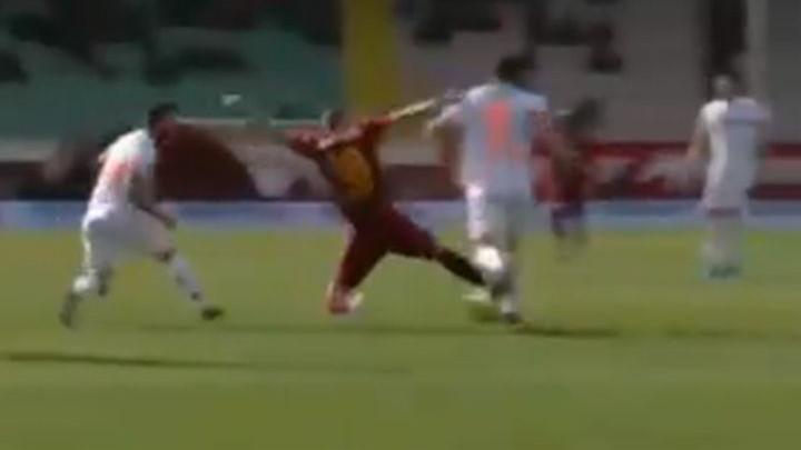 Zoran Kvržić dobio direktan crveni karton u debiju za Kayserispor