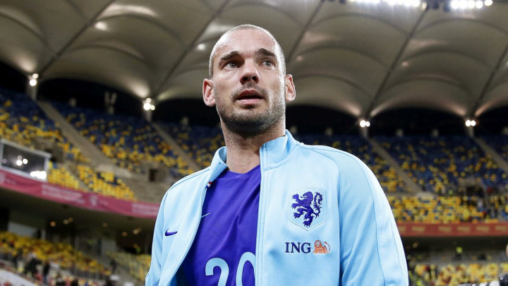 Navijači ga mole da se vrati fudbalu, Wesley Sneijder razmišlja o prekidu penzije?