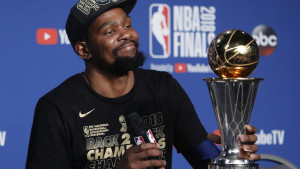 Durant: Zar je bitno što Curry nije MVP?
